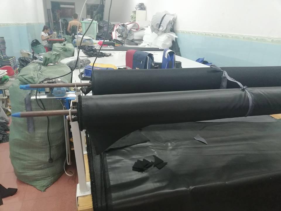 xưởng cắt của công ty may balo túi xách tại tphcm của chúng tôi
